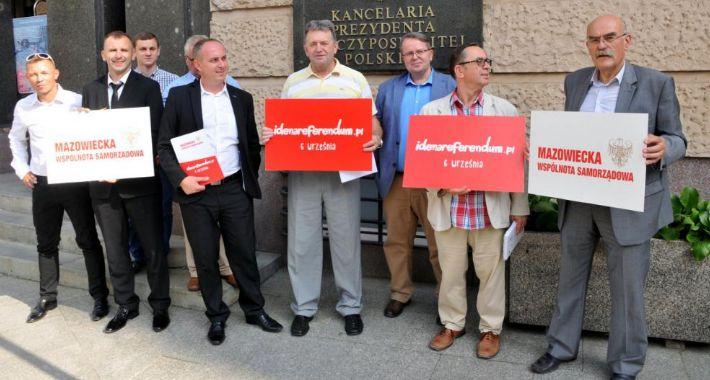 Organizacje NGO , wystartowało akcją IdeNaReferendum! - zdjęcie, fotografia