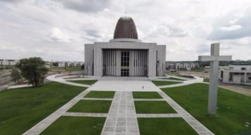 Religia - kościoły - święta, Świątynia Opatrzności Bożej tytułem Makabryła - zdjęcie, fotografia