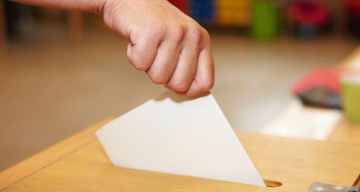 Polityka, Zakończyło referendum - zdjęcie, fotografia