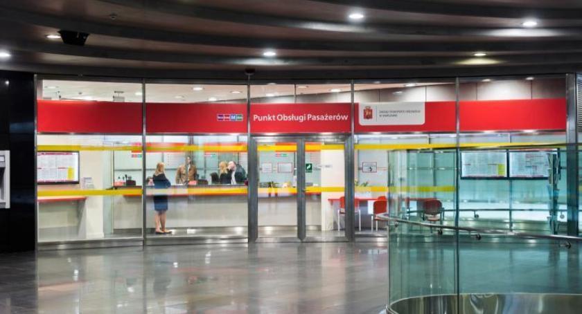 Polityka, Punkty obsługi pasażerów wakacje zmiany! - zdjęcie, fotografia