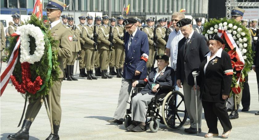 Historia Warszawy, Warszawa uczciła pamięc Powstańców [ZDJĘCIA] - zdjęcie, fotografia