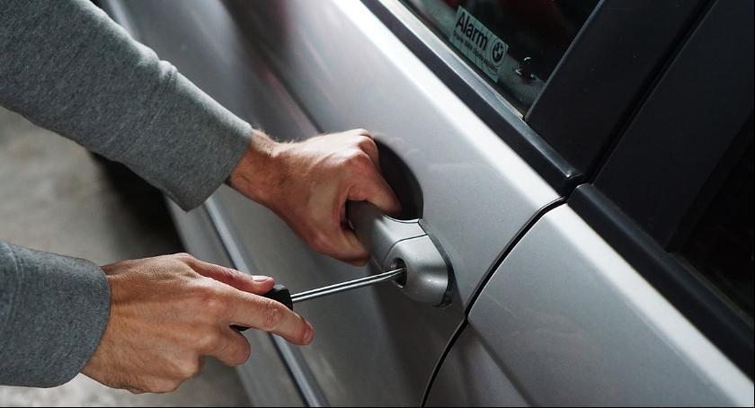 Kradzieże i Rozboje, Najczęściej kradną samochody Pradze Południe [Policyjny raport] - zdjęcie, fotografia