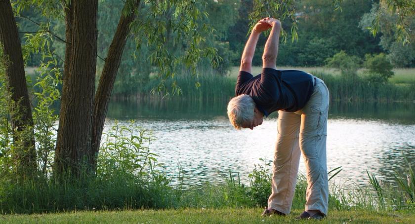 Zdrowie, Zajęcia ruchowe seniorów - zdjęcie, fotografia