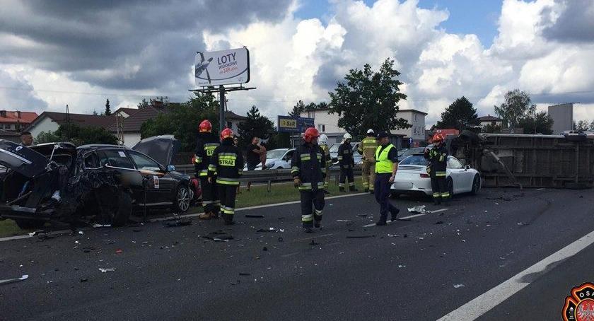 Wypadki, Zderzenie trzech trasie Warszawy Gdańsk Zobaczcie zdjęcia straży - zdjęcie, fotografia