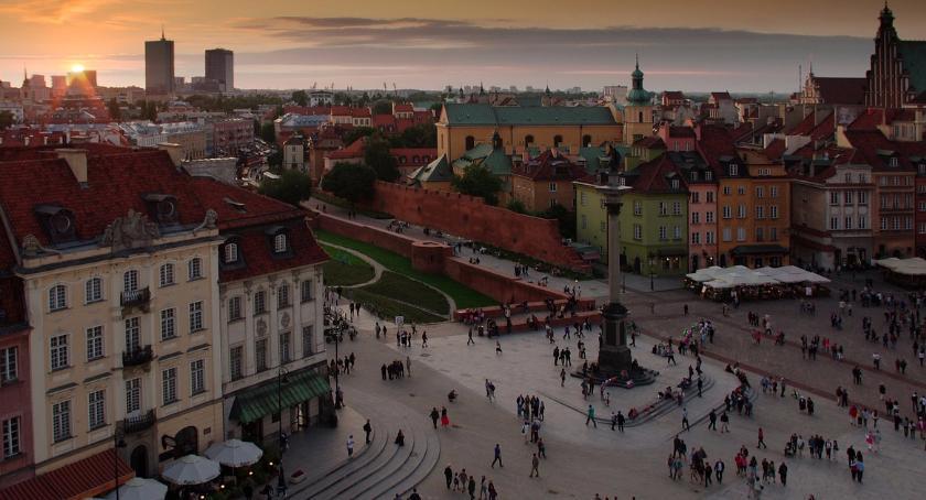 NEWS, Warszawa chętniej odwiedzana przez Polaków cudzoziemców [RAPORT] - zdjęcie, fotografia