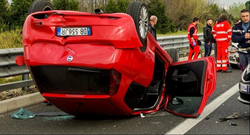 Wypadki, Groźny wypadek Wisłostradzie - zdjęcie, fotografia