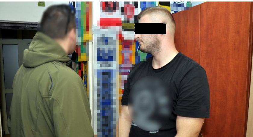 Narkotyki, Narkotykowy magazyn garażu Ochocie Towar mieszkaniu Handlarze areszcie - zdjęcie, fotografia