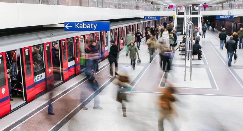 Metro, metrze zmarł jeden pasażerów zdarzenia doszło stacji Rondo - zdjęcie, fotografia