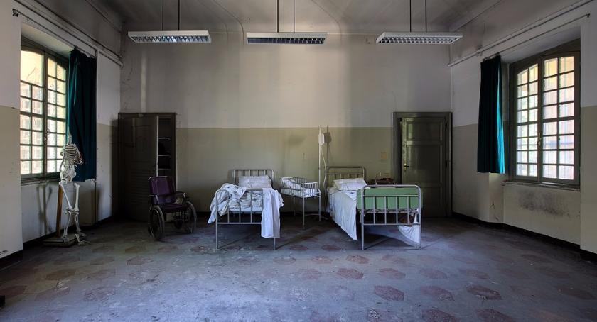 Zdrowie, Skandal warszawskim szpitalu Zażądali łapówki szybszą operację NASZEGO CZYTELNIKA] - zdjęcie, fotografia