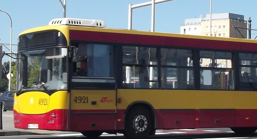 Autobusy, Dzisiaj protesty ulicach oznacza utrudnienia komunikacji - zdjęcie, fotografia