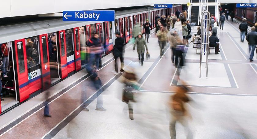 Metro, Utrudnienia kursowaniu linii metra Zamknięto stacji - zdjęcie, fotografia