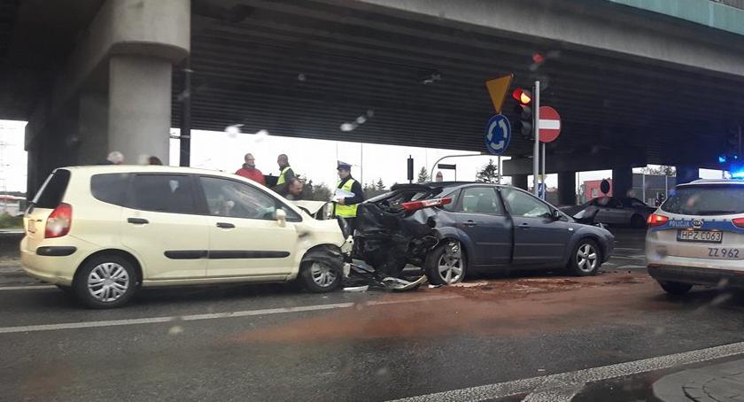 Wypadki, Wypadek Łomiankach żyje kobieta - zdjęcie, fotografia