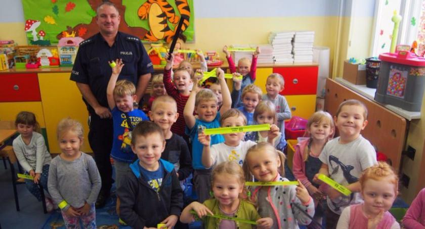 Przedszkola, Kręci bezpieczeństwo przez cały szkolny - zdjęcie, fotografia