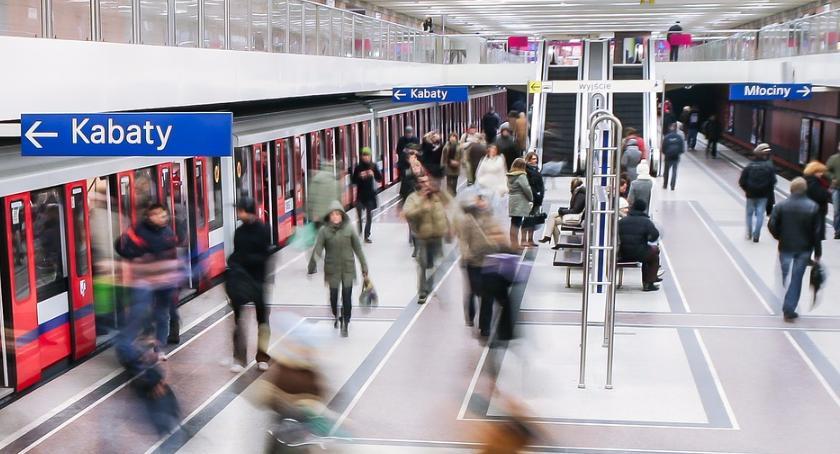 Metro, Utrudnienia kursowaniu linii metra - zdjęcie, fotografia