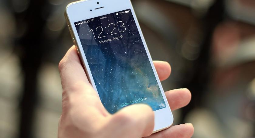 Technologia, Urząd Miasta dofinansuje zakup smartfonów - zdjęcie, fotografia