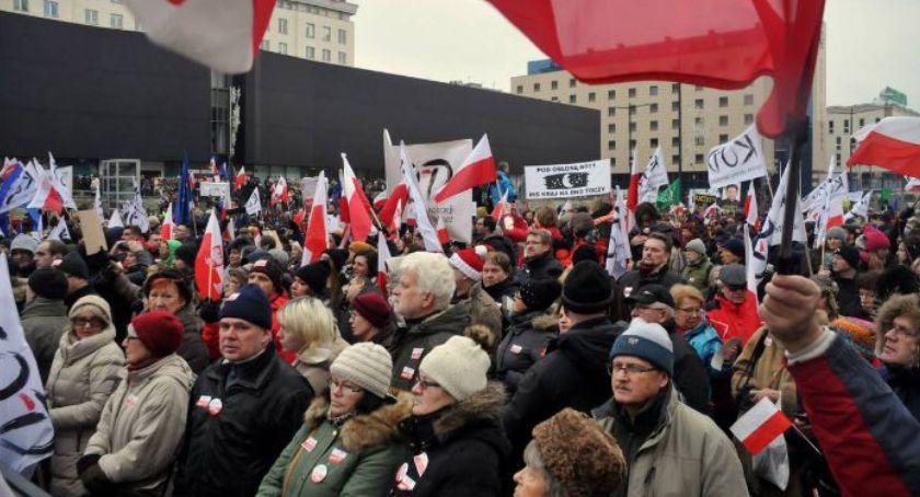 Polityka, media kiedykolwiek były wolne Demonstracja Warszawie - zdjęcie, fotografia