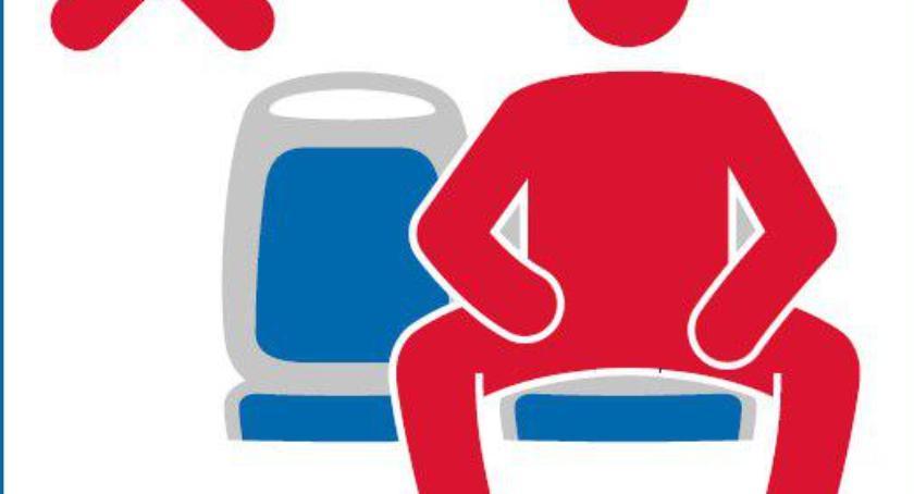 NEWS, Womanspreading czyli akcja kobiet przeciwko siadającym rozkroku panom Dotrze - zdjęcie, fotografia