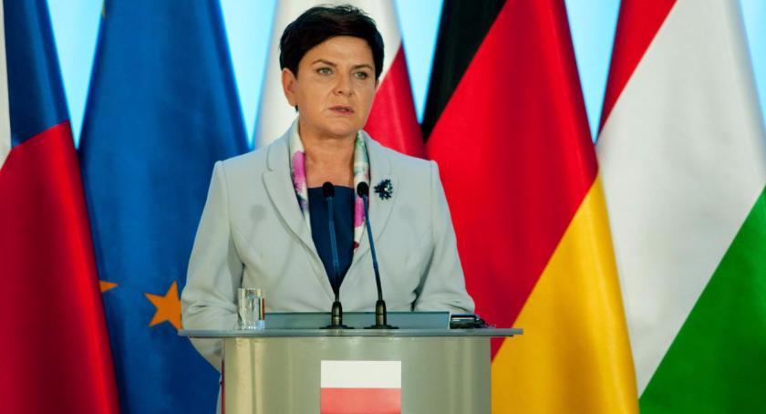 Polityka, Beata Szydło złożyła rezygnację funkcji premiera Zastąpi Mateusz Morawiecki - zdjęcie, fotografia