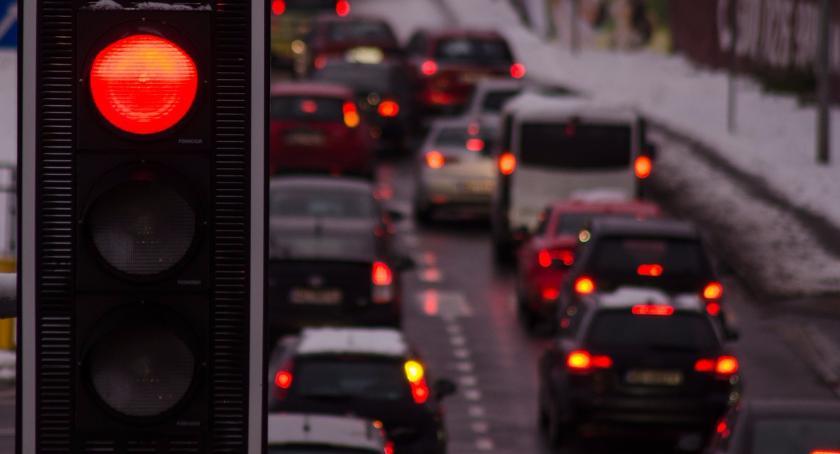 Drogi, Utrudnienia Trasie Łazienkowskiej Zepsuty samochód dostawczy tamuje - zdjęcie, fotografia
