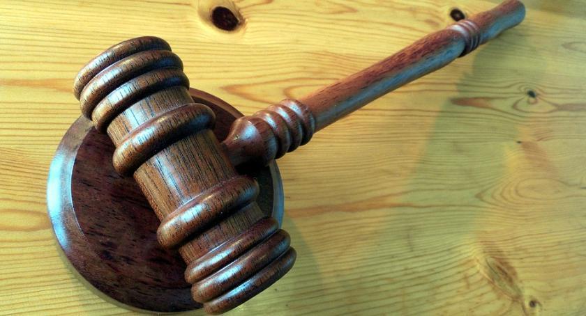 Prawo, Niedouczeni sędziowie - zdjęcie, fotografia