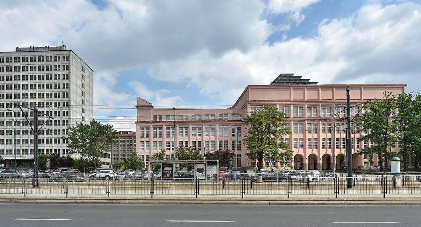 Szkoły wyższe, nowego budynku Zamiast Spadochronowej ogólnodostępny - zdjęcie, fotografia