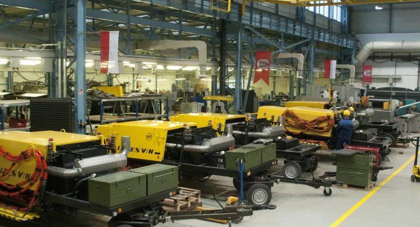 Bezpieczeństwo, wizytą Centrum Dostaw Serwisu Naziemnego Sprzętu Obsługi Statków Powietrznych - zdjęcie, fotografia