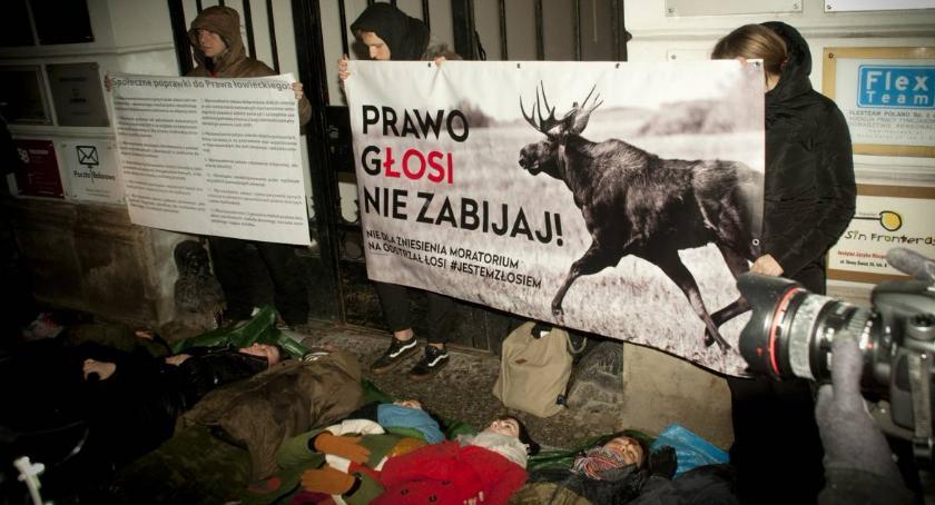 Protesty i manifestacje, Rzeczypospolitej Myśliwskiej! Protest Nowym Świecie [ZDJĘCIA] - zdjęcie, fotografia