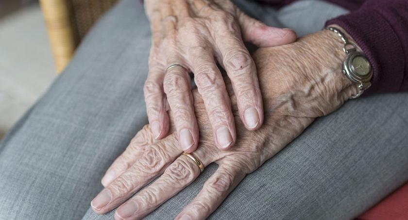 Zdrowie, WOŚP wspiera seniorów nowym sprzętem - zdjęcie, fotografia