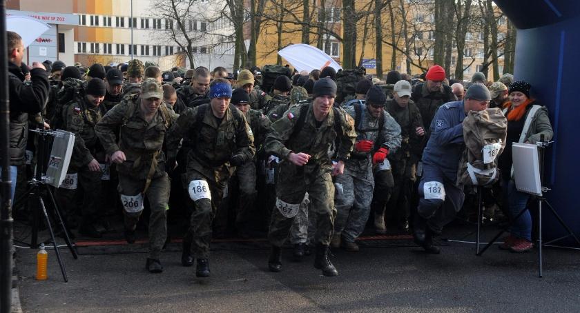 Biegi - maratony, Fotorelacja Półmaratonu Komandosa - zdjęcie, fotografia