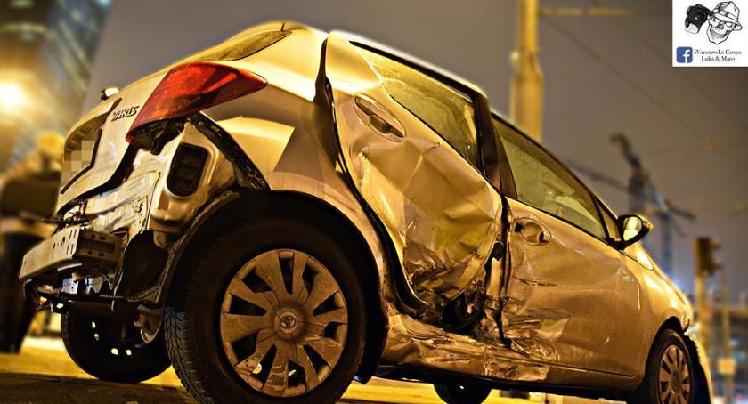 Wypadki, Rondo Karcelak wjechał toyoty [ZDJĘCIA] - zdjęcie, fotografia
