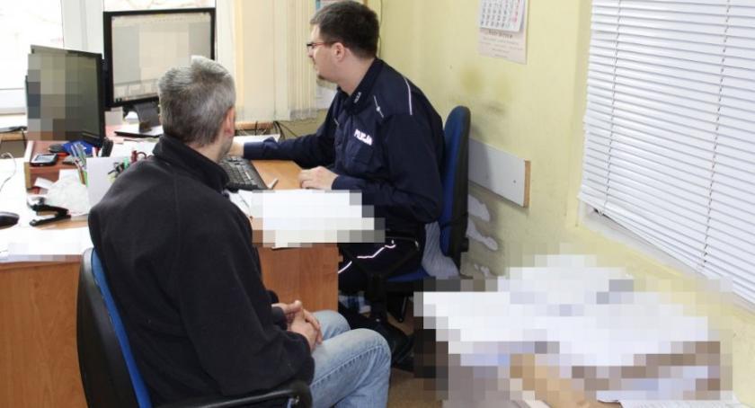 Bezpieczeństwo, Recydywista zatrzymany posiadanie pornografii dziecięcej - zdjęcie, fotografia