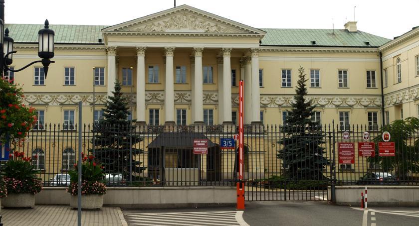 Prawo, Warszawy wezwana usunięcia naruszenia prawa - zdjęcie, fotografia