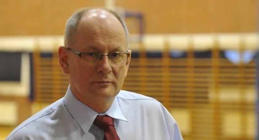 Samorząd, Niezależny kandydat pokonał działacza wybory wójta Nadarzynie - zdjęcie, fotografia