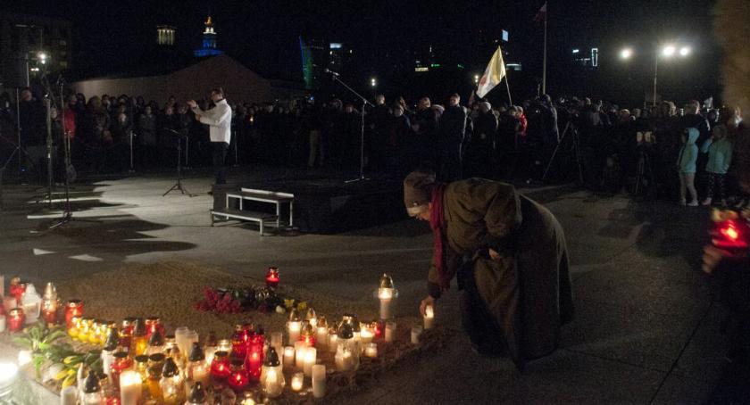 Religia - kościoły - święta, Modlitewne czuwanie rocznicę śmierci Pawła [ZDJĘCIA] - zdjęcie, fotografia