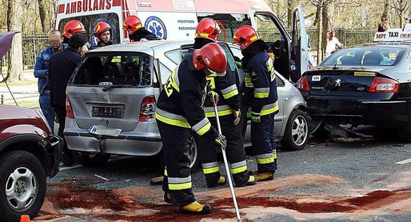 Wypadki, Zdarzenie czterech przed Kancelarią Premiera - zdjęcie, fotografia