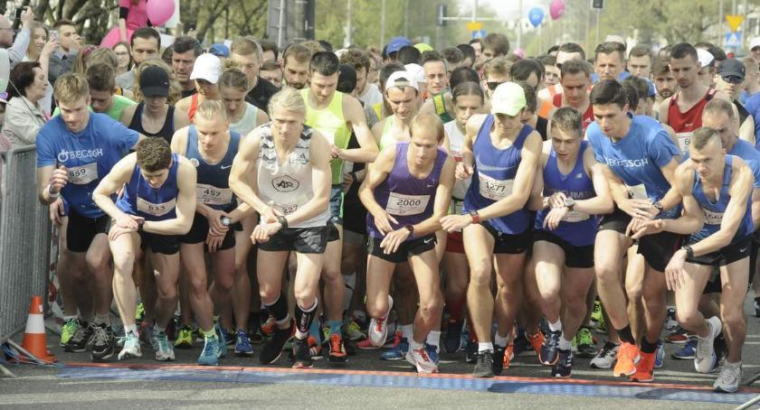 Biegi - maratony, [ZDJĘCIA] - zdjęcie, fotografia