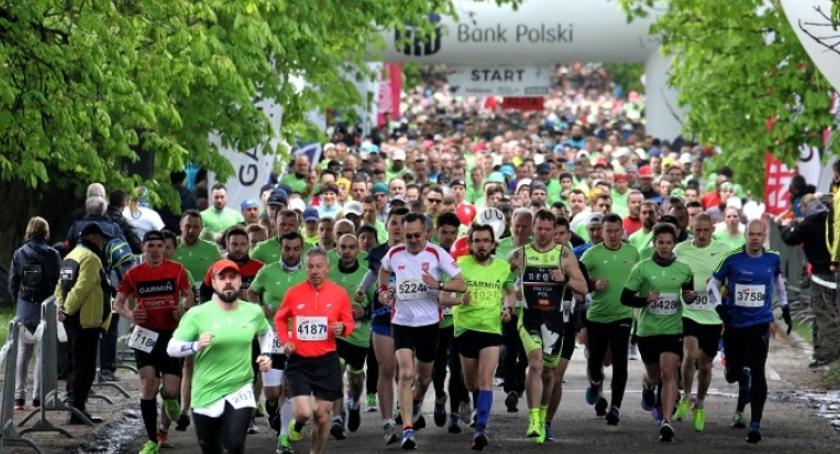 Biegi - maratony, Konstytucji weekend ruszyły zapisy! - zdjęcie, fotografia