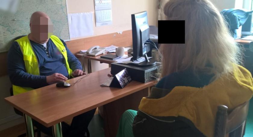 Bezpieczeństwo, Rafalala zarzutami grożenie nastolatce - zdjęcie, fotografia