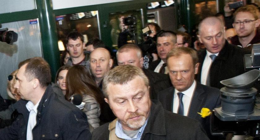 Prawo, Dzisiaj przesłuchanie Donalda Tuska sprawie katastrofy smoleńskiej - zdjęcie, fotografia