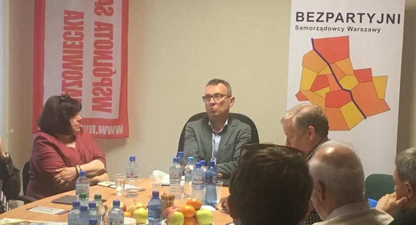 Wybory samorządowe 2018, Bezpartyjni wybrali Wojciecha Kozaka - zdjęcie, fotografia
