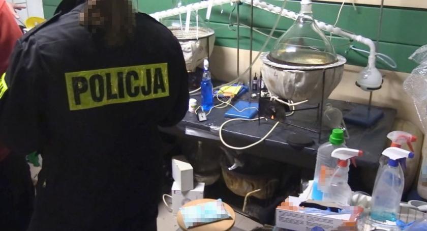 Narkotyki, CBŚP zlikwidowało linię produkcyjną amfetaminy [ZDJĘCIA] - zdjęcie, fotografia