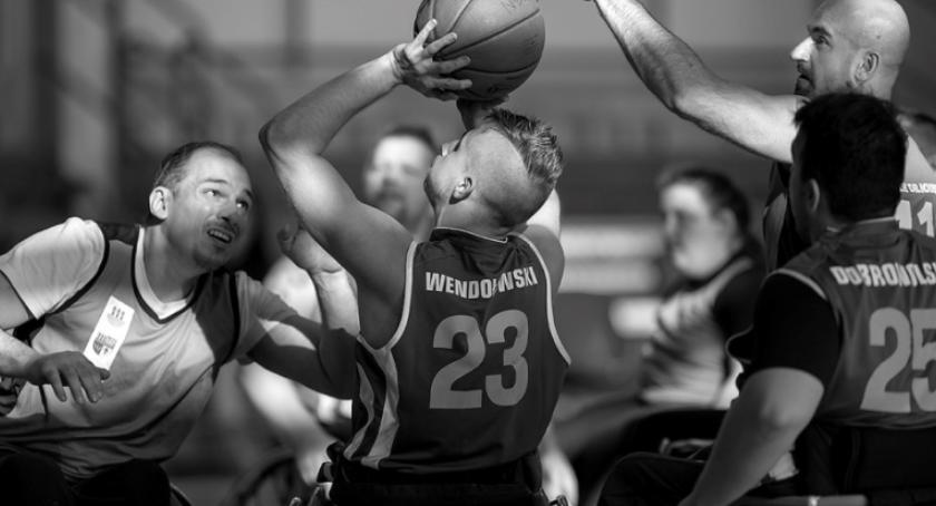 PKiN zaprasza, Wspólny WYGRAĆ! Niepełnosprawni sportowcy zdjęciach dzisiaj - zdjęcie, fotografia