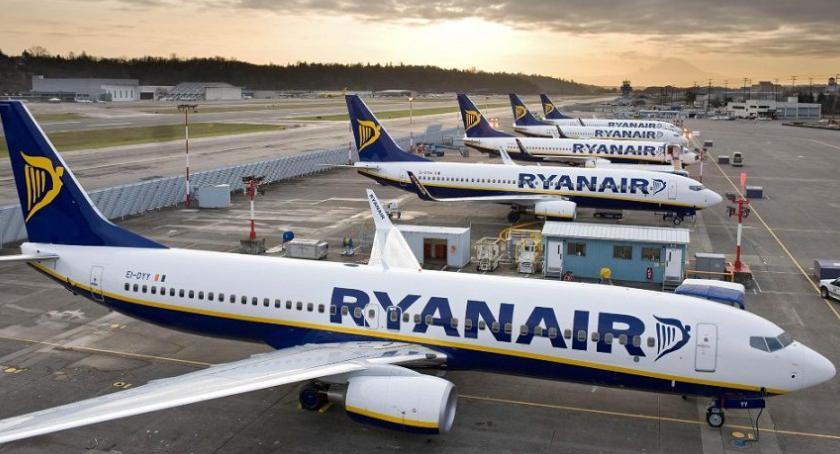Lotniska, Latasz Ryanair połowy czerwca utrudnienia - zdjęcie, fotografia