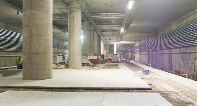 Metro, Zwiedzanie stacji metra budowie dostępne wszystkich - zdjęcie, fotografia