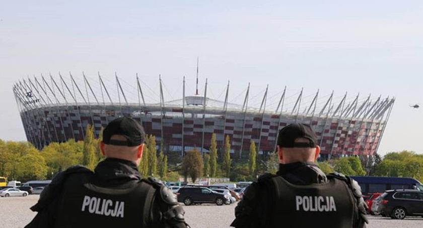 Piłka nożna, Kradzież biletów Polska Litwa - zdjęcie, fotografia