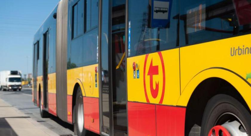 Transport publiczny - komunikacja, Wakacje więc zmiany komunikacji - zdjęcie, fotografia