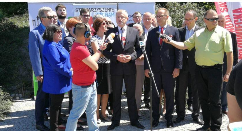 Wybory samorządowe 2018, Burmistrz Targówka Sławomir Antonik kandydatem Bezpartyjnych prezydenta Warszawy - zdjęcie, fotografia