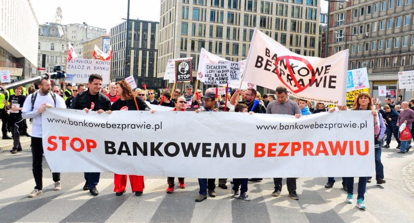 NEWS, Zakończcie bankowe bezprawie Manifestacja Osób Oszukanych Przez Banki [ZDJĘCIA] - zdjęcie, fotografia