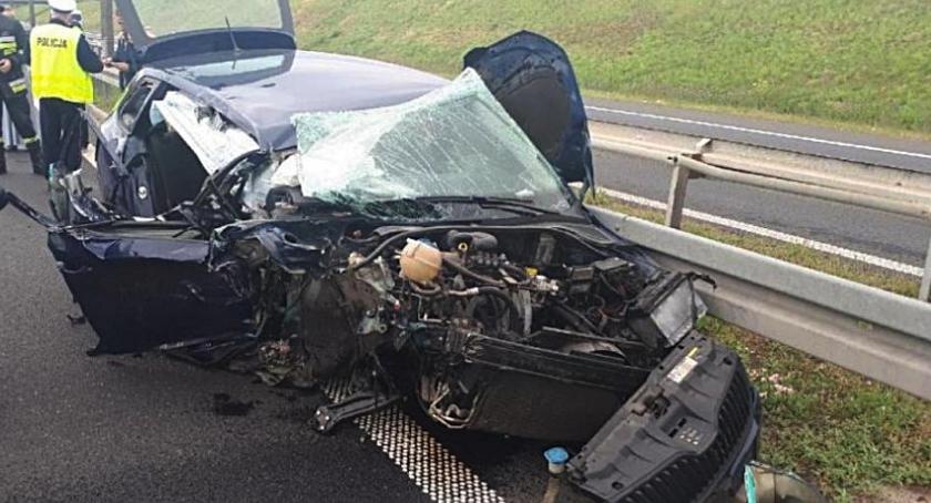 Wypadki, uderzył ciężarówki [ZDJĘCIA] - zdjęcie, fotografia