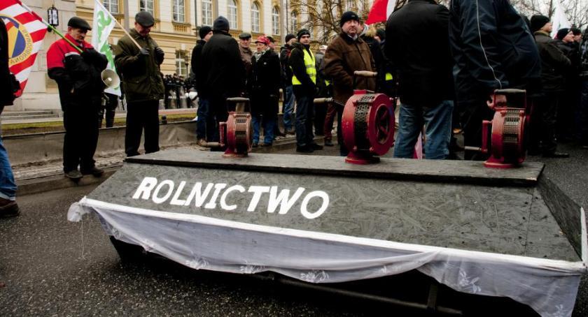 Protesty i manifestacje, Uwaga piątek manifestacja rolników Warszawie - zdjęcie, fotografia